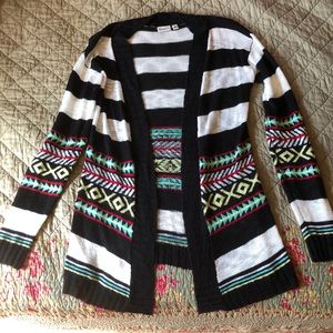 Tribal print black and white knitted cardigan
